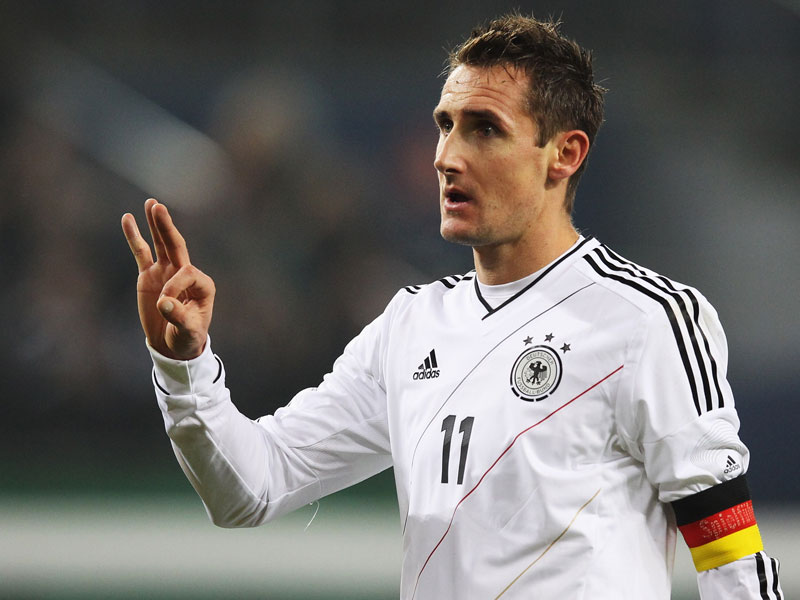Miroslav Klose needs just one more goal to break Ronaldo's 15-goal record.
